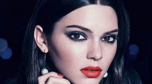 Kendall Jenner presume de mirada de impacto con lo nuevo de Estée Lauder