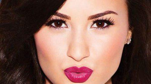 Demi Lovato lanza una colección de maquillaje para mujeres naturales