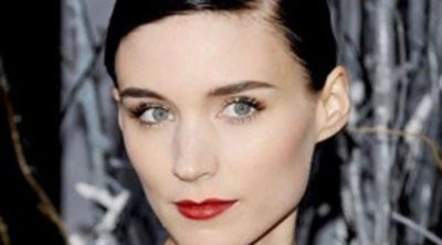 La belleza de Rooney Mara, elegancia gótica