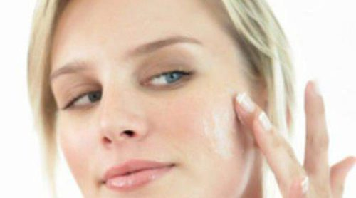 Cómo evitar el exceso de grasa en la cara