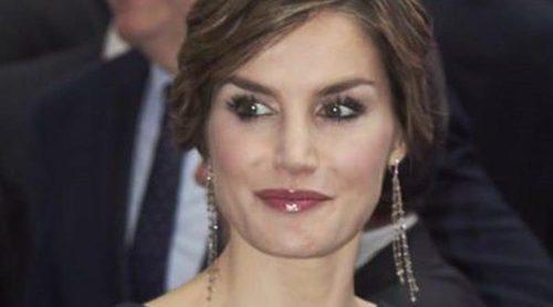 Lily Aldridge, Jessica Alba y la Reina Letizia, los beauty looks más feos de la semana