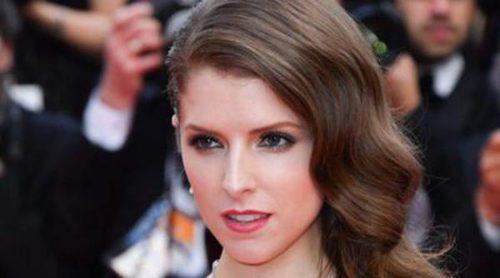 La Reina Letizia, Jodie Foster y Anna Kendrick han lucido los mejores beauty looks de la semana