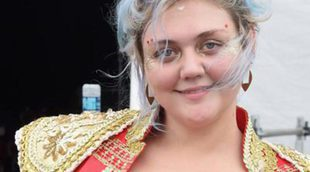 Elle King se proclama la reina de los peores beauty looks