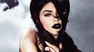 La revolución de Kylie Cosmetics innova con el azul en su nueva colección