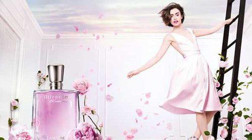 Lily Collins repite para Lancôme con su nueva fragancia floral 'Miracle Blossom'