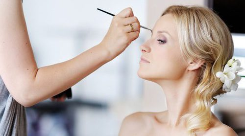 Cómo maquillarse para una boda de invierno de tarde