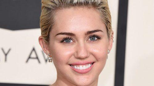 Maquíllate como Miley Cyrus