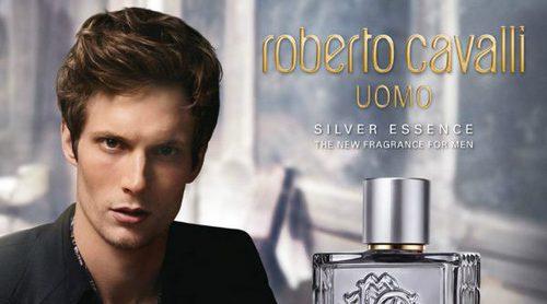 'Uomo Silver Essence', la nueva fragancia de Roberto Cavalli
