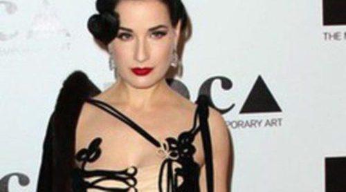 Dita Von Teese lanza una línea de maquillaje en colaboración con Artdeco