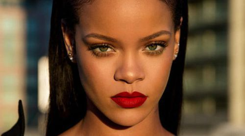'Uncensored', el rojo universal con el que Fenty Beauty by Rihanna estrena su labial 'Stunna Lip Paint'