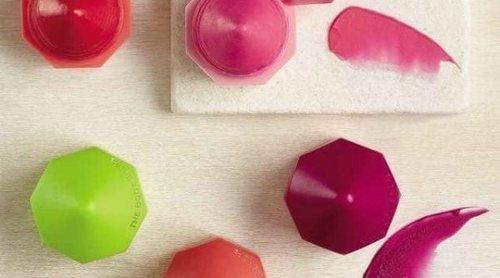 'Lip Juicers', los labiales hidratantes, veganos y afrutados de The Body Shop