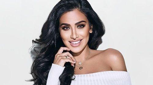 La gurú de belleza Huda Kattan anuncia el lanzamiento de su primer perfume