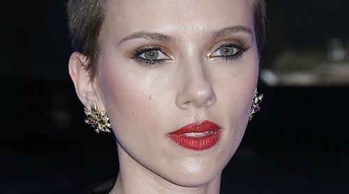 Maquíllate como Scarlett Johansson