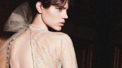 Freja Beha Erichsen renueva con Valentino para promocionar su última fragancia