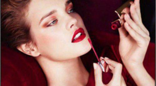 Natalia Vodianova se viste de rojo para protagonizar la nueva campaña de Guerlain