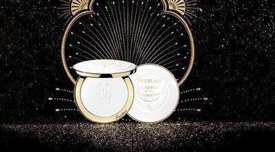 Guerlain reedita sus icónicos polvos translúcidos en honor a la madre de Angelina Jolie