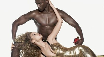 Versace pone a Gigi Hadid al frente de la campaña de su nueva fragancia masculina 'Eros Flame'