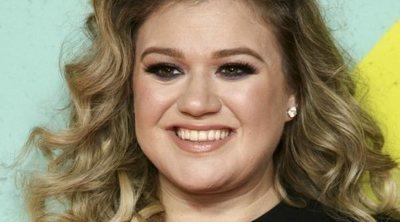 Maquíllate como Kelly Clarkson