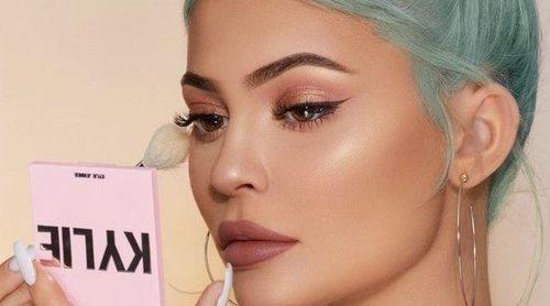 Kylie Jenner relanza los coloretes, bronceadores e iluminadores de Kylie Cosmetics con un nuevo packaging