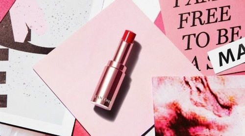 Lancôme presenta su nueva barra de labios 'L'Absolu Mademoiselle Shine'