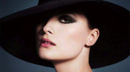 Armani apuesta por los tonos otoñales en la nueva colección 'Easy Chic'