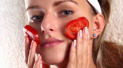 Limpieza de cutis a base de tomate
