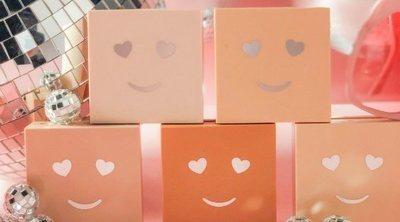 Benefit amplía su línea 'Hello Happy' con el lanzamiento de unos polvos de maquillaje y una base con protección solar