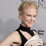 Nicole Kidman con rizos cayéndole por la frente