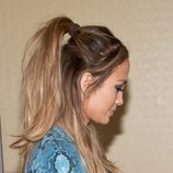 Jennifer Lopez con una half pony despeinada