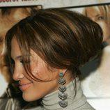 Jennifer Lopez con un recogido abultado