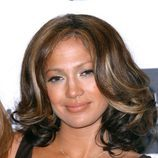 Jennifer Lopez con una melena midi bicolor