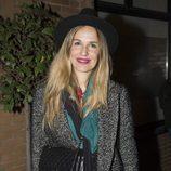 Carola Baleztena complementa su outfit con un sombrero negro