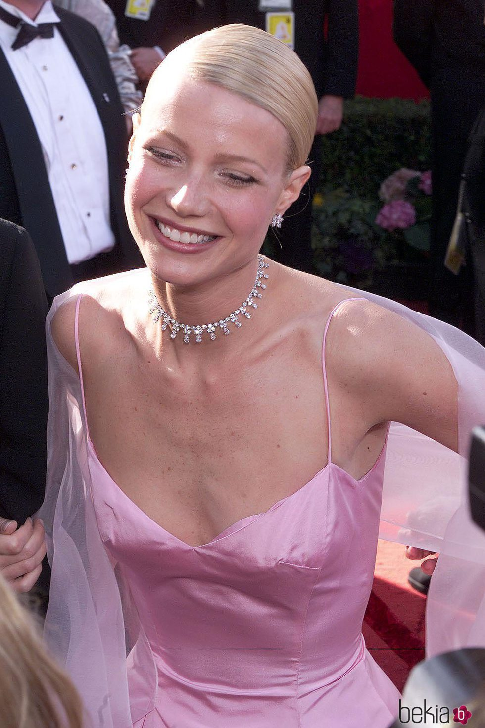 Gwyneth Paltrow con el cabello pegado a la cabeza