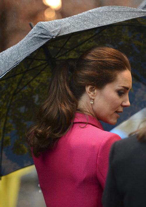 Kate Middleton con una coleta formal