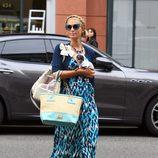 Paris Hilton con una trenza de corona y moños bajos