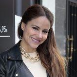 Mónica Hoyos opta por un look de lo más natural para su 40 cumpleaños