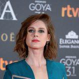 Manuela Vellés con un ahumado en azul
