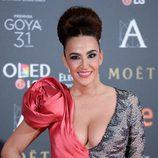 Cristina Rodríguez con un enorme moño alto