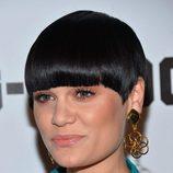 Jessie J con un corte de pelo a lo tazón