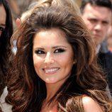 Cheryl Cole con el pelo suelto y tupé