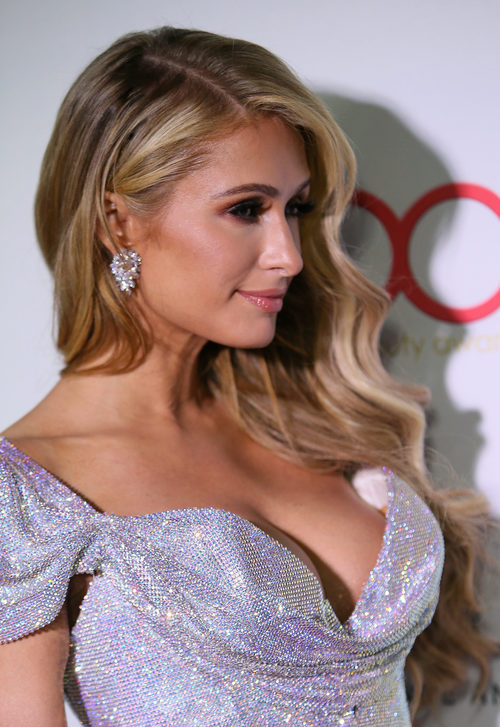 Paris Hilton apuesta por las ondas elásticas