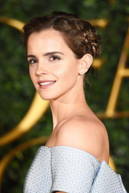 Emma Watson con un recogido de trenzas
