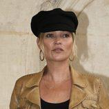 Kate Moss con una boina negra