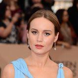 Brie Larson apuesta por un elegante recogido