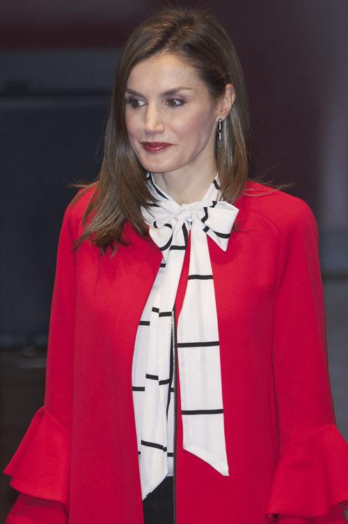 La Reina Letizia combina el labial con su outfit