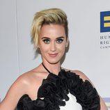 Katy Perry con peinado punk