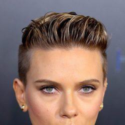 Scarlett Johansson con wet hair