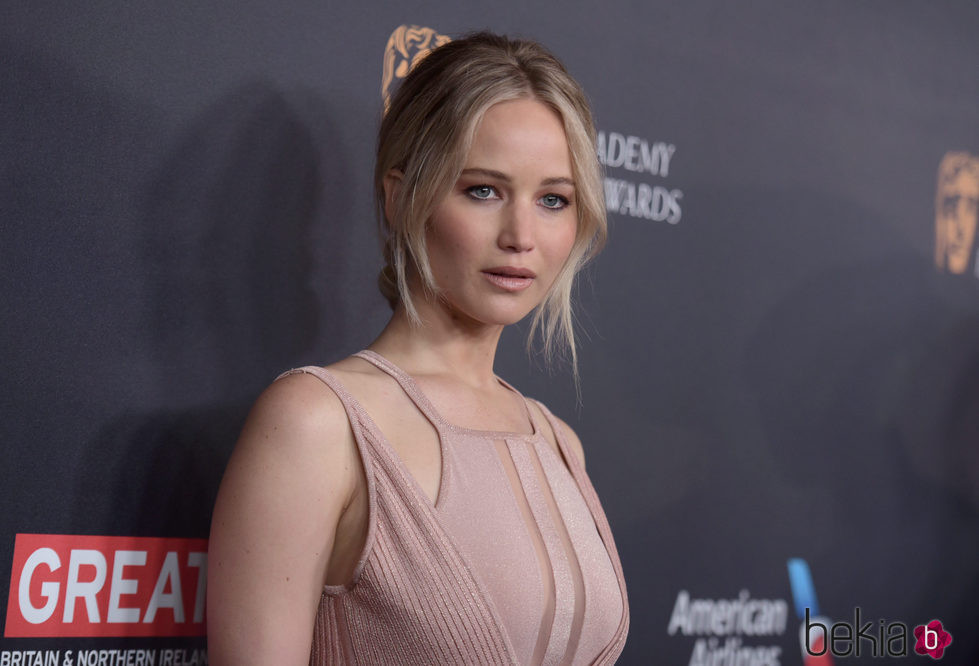 Jennifer Lawrence con recogido effortless