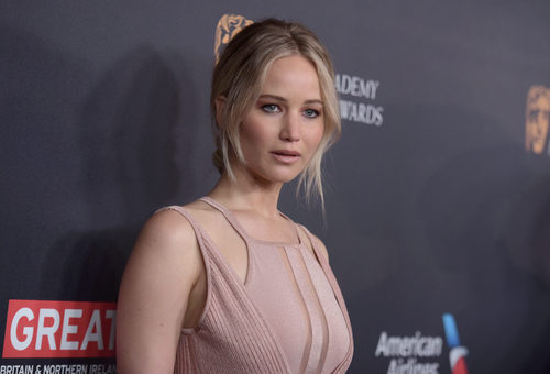 Jennifer Lawrence con recogido effortless