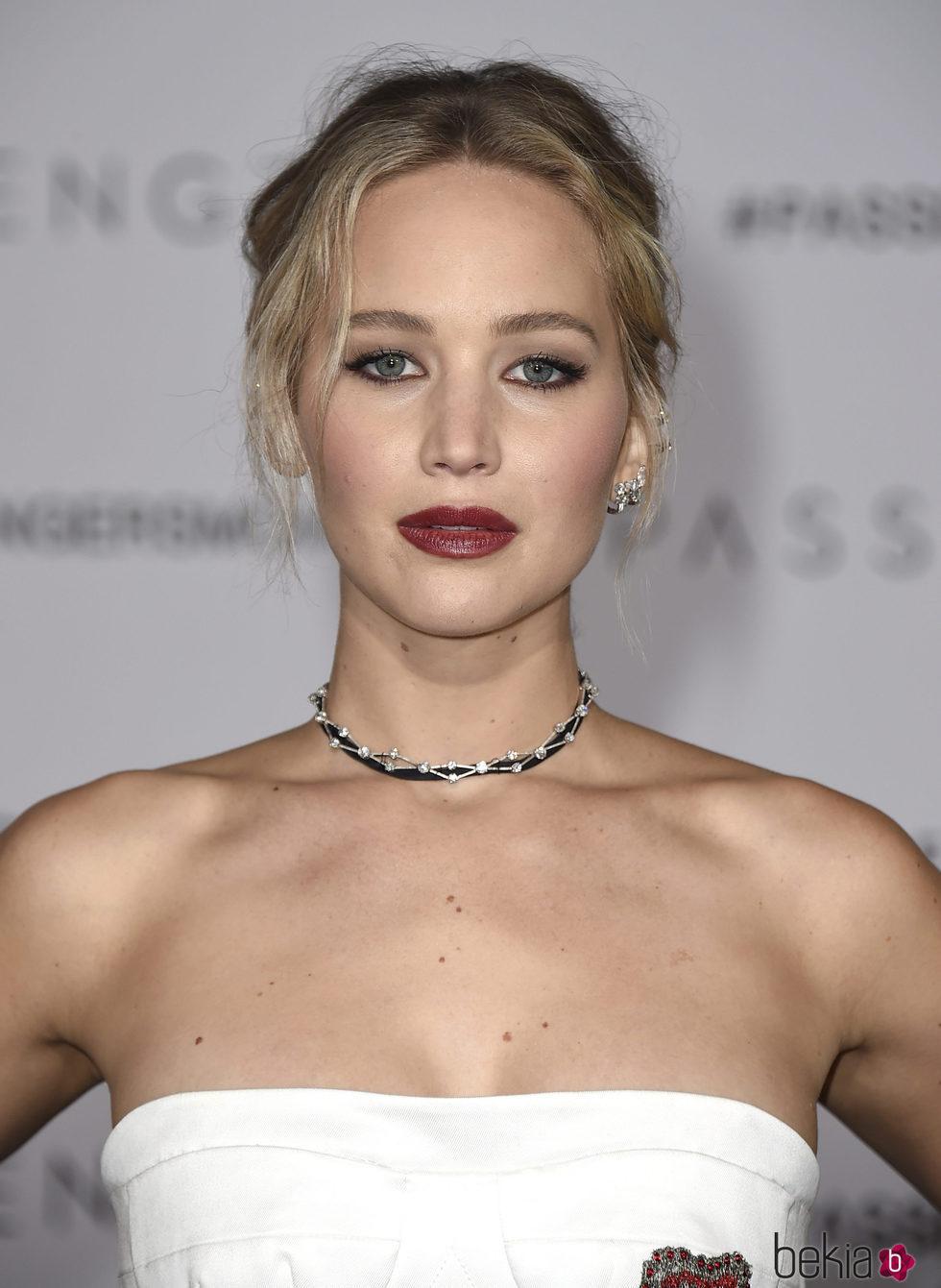 Jennifer Lawrence con sofisticado recogido